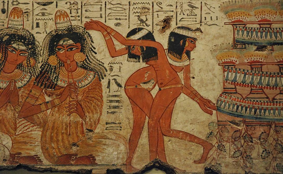 Революция Древний Египет большую часть своего существования был политеистическим. Но фараон Эхнатон задумал привести народ к монотеизму и некоторое время египтяне поклонялись только диску солнца, который олицетворял Ра.