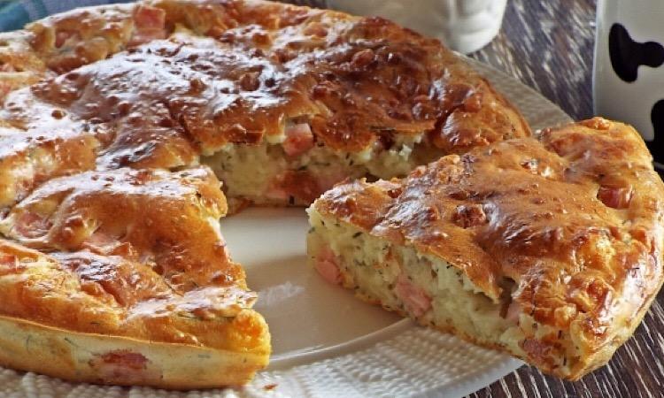 Мега аппетитный пирог с ветчиной и сыром
