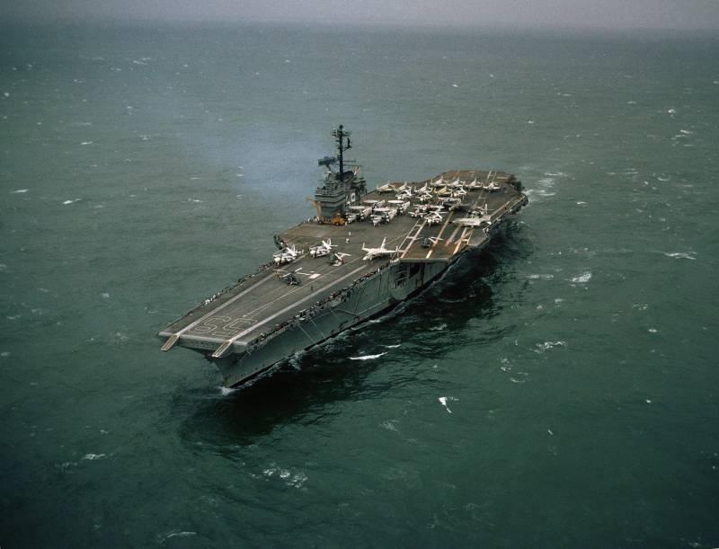 Как ракетному кораблю потопить авианосец? Несколько примеров