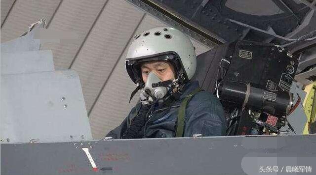 Китай модернизировал Су-35 и серьезно увеличил его боевую мощь