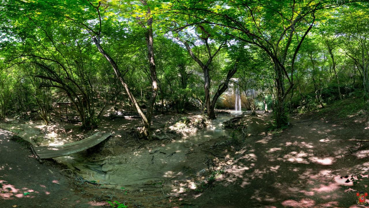 Пешком к водопадам Байдарской долины. Крым