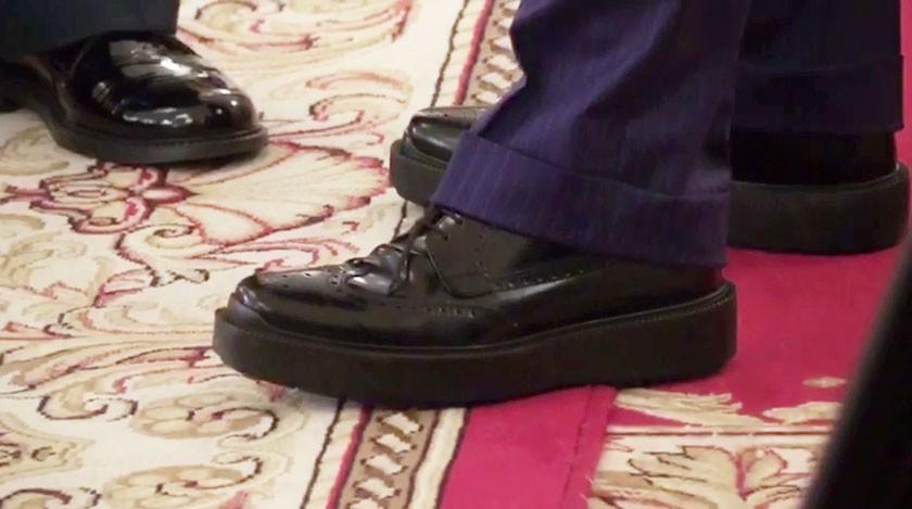 Медведев вновь поразил необычной обувью