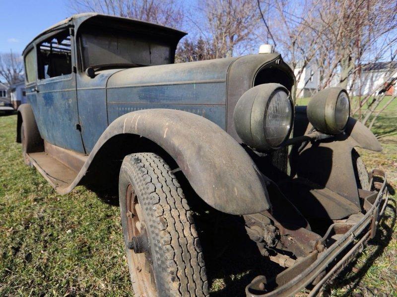 В Иллинойсе 90-летний автомобиль простоял в гараже 50 лет