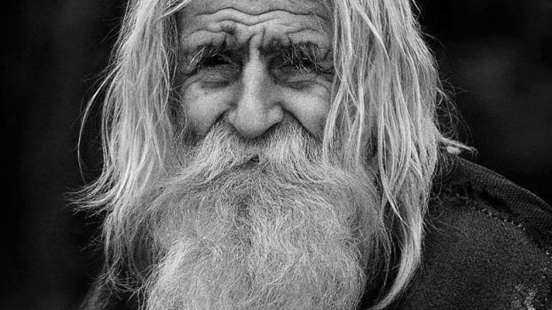 С виду обычный старик, котор…