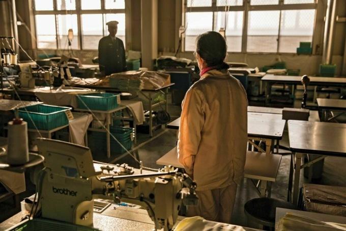 Без надежды на родных: почему пенсионеры в Японии стремятся попасть в тюрьму