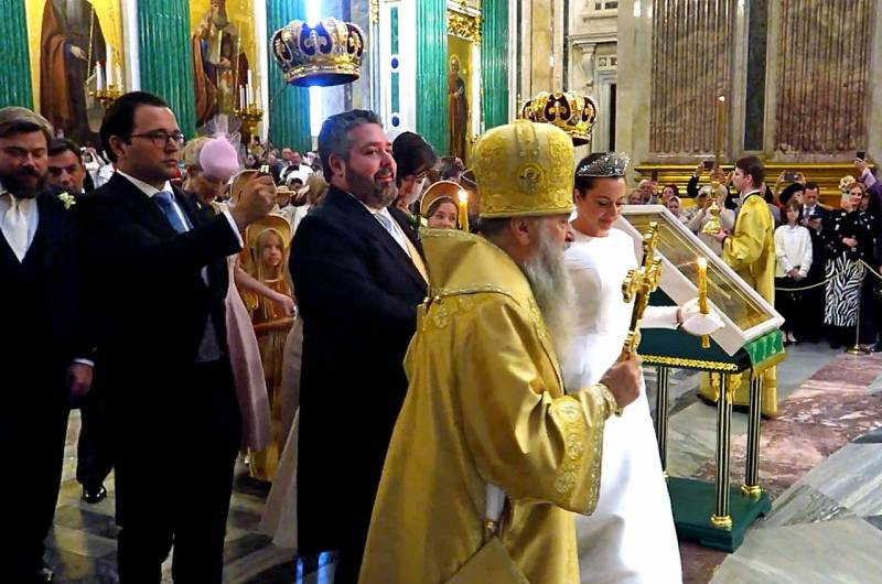 В Доме Романовых назвали условие возрождения монархии в России