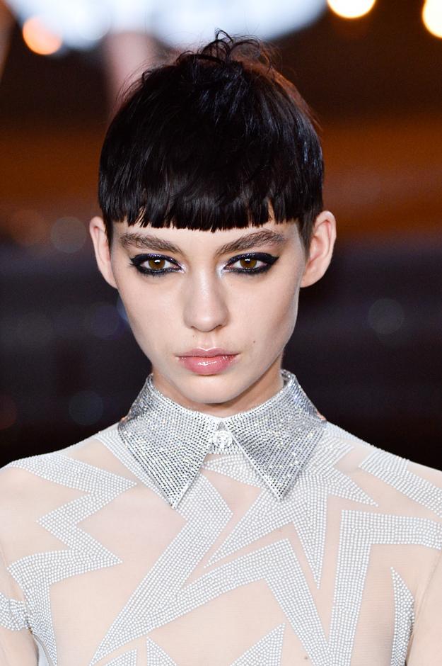 Неделя высокой моды в Париже, осень-зима 2018: тенденции в макияже (фото 8)
