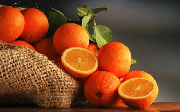 Апельсин для красоты и здоровья: 4 способа использования фрукта в косметологии
