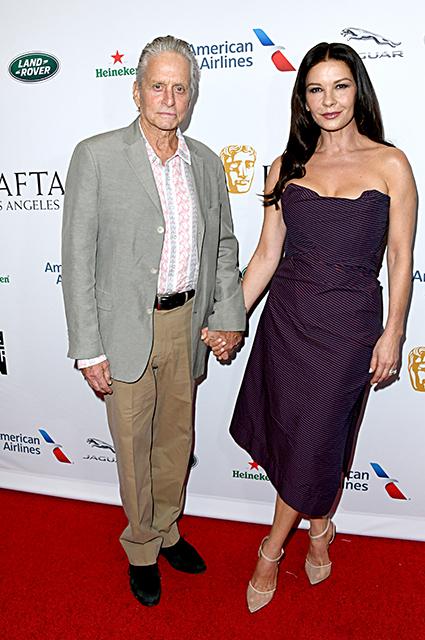 """Кэтрин Зета-Джонс и Майкл Дуглас, звезды """"Игры престолов"""" и другие на вечеринке в Лос-Анджелесе Красная дорожка"""