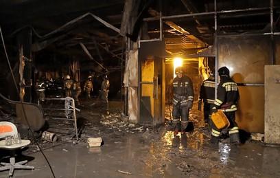 """Специалисты МЧС установили очаг возгорания в """"Зимней вишне"""""""