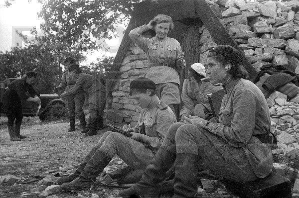 К юбилею Победы. Женщины на …