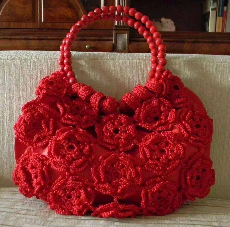Яркие цветочные сумки крючком