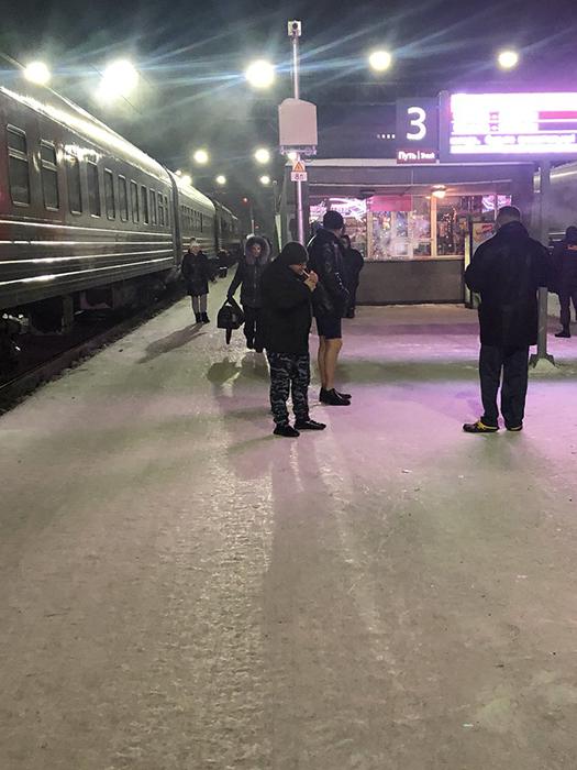 Британская писательница проехала на поезде через всю Россию и рассказала о своих приключениях