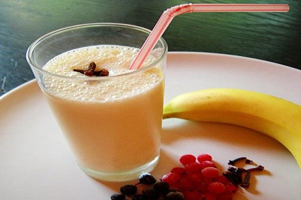 Три банановых коктейля, которые растворяют жир