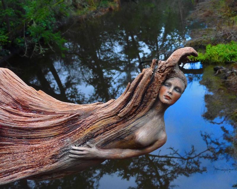 4. Резная скульптура из коряги. планета земля, удивительные фотографии, человек