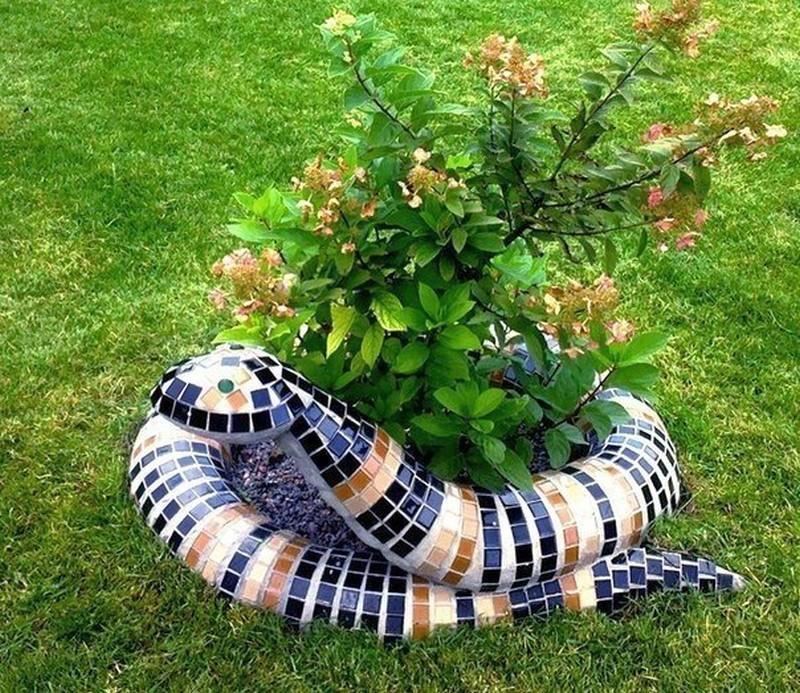украшение сада и огорода своими руками фото модель нередко очень