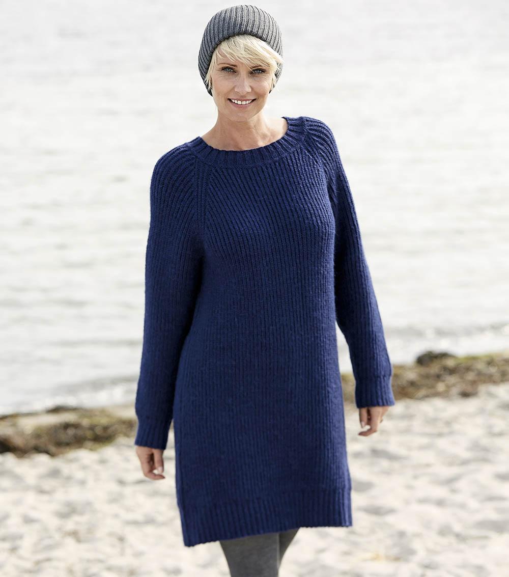 Синее платье-туника с рукава…