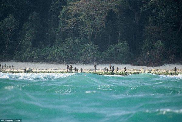 Жители этого острова убивают всех, кто пытается сойти на берег. Вот что они защищают!