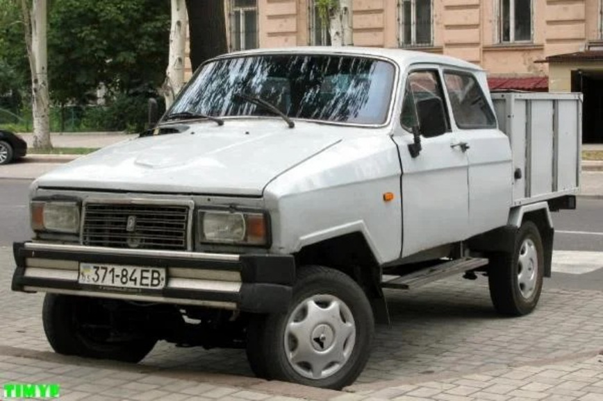 """""""Волга""""-монстр, 8-колесный ЛуАЗ и другие странные самодельные автомобили"""