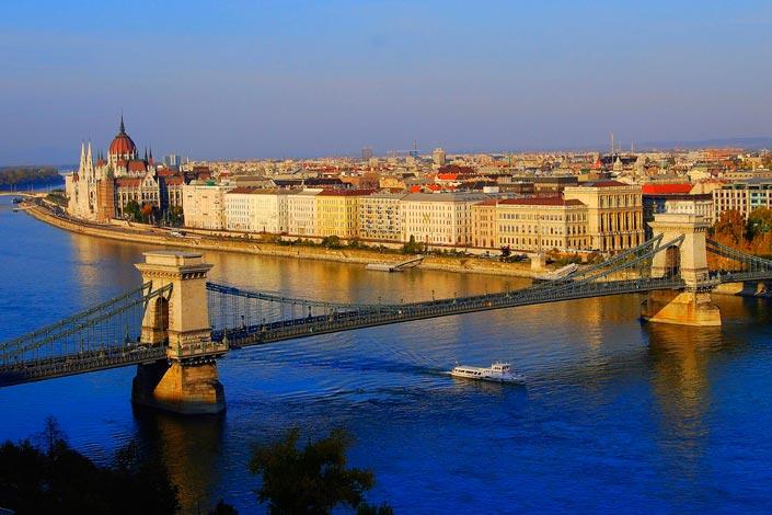 Отдых в октябре: золотая осень Будапешта