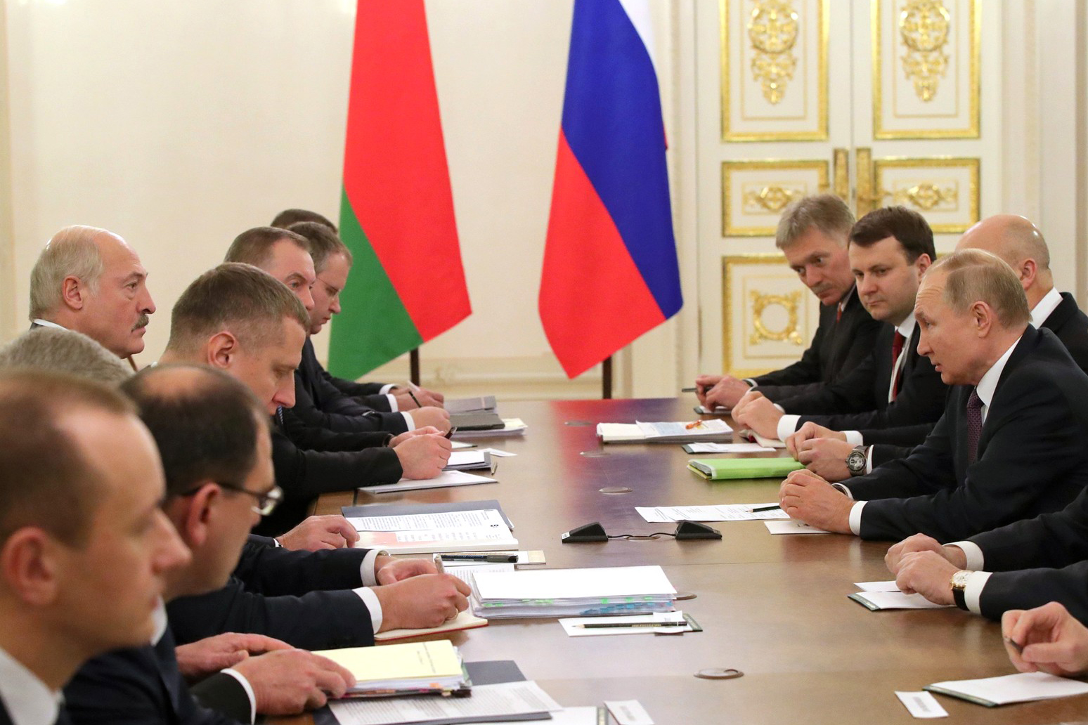 Россия и Беларусь: взаимоотношения стран проходят «крещение огнём» (окончание)