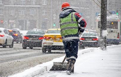 Ответственные за уборку снега в некоторых районах Москвы отстранены от работы