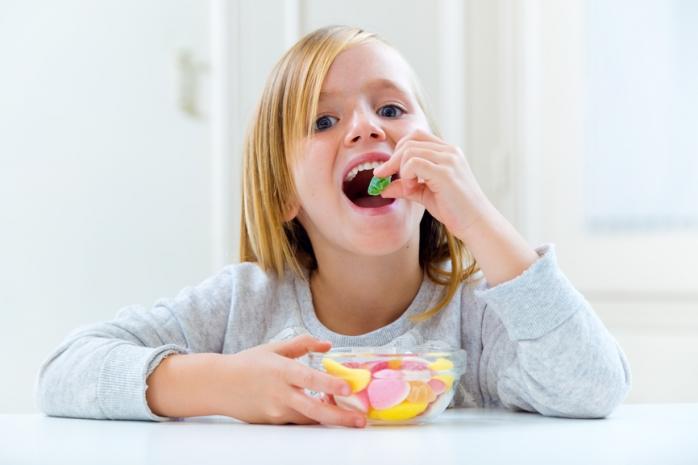4 продукта, которые вредят детским зубам