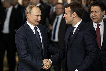 Раскрыто содержание разговора Путина иМакрона оситуации сНавальным Политика