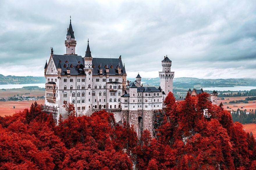 20 самых впечатляющих замков Европы