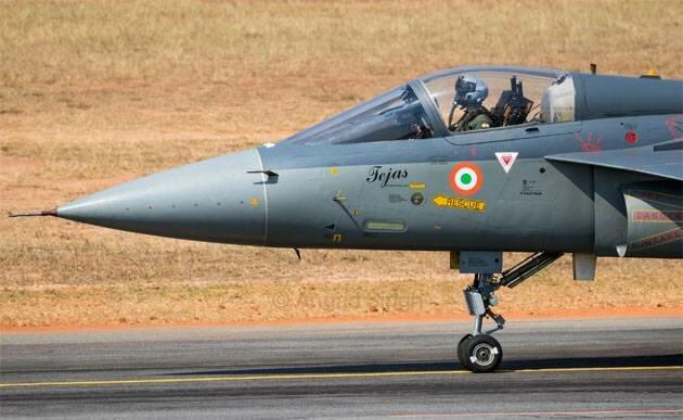 Главу МО Индии призвали уйти в отставку из-за затягивания контракта по истребителям