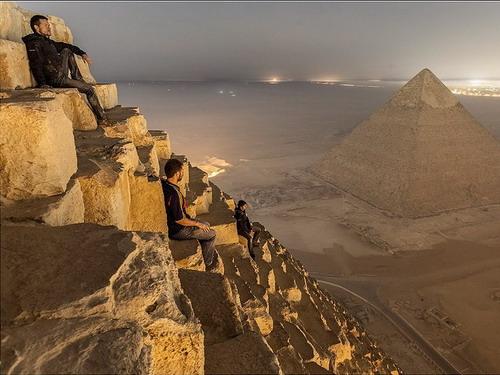 Редкие фото с вершины пирамиды Гизы, откуда запрещено снимать