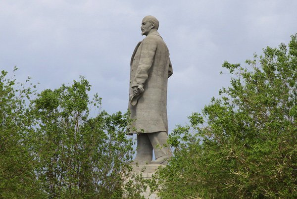 1. Владимир Ленин ленин, памятник, память, пушкин, россия, топ