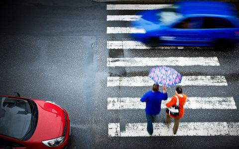 Топ-10 курьезных законов, которые подстерегают автомобилистов за границей