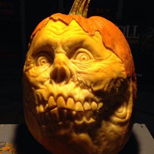19 крутых идей для вырезания тыквы на Хэллоуин
