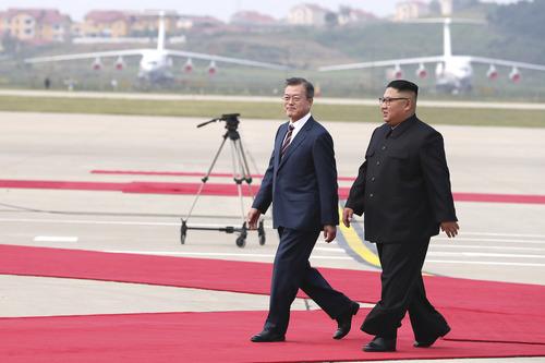 В Пхеньяне завершился первый день переговоров лидеров КНДР и Республики Корея