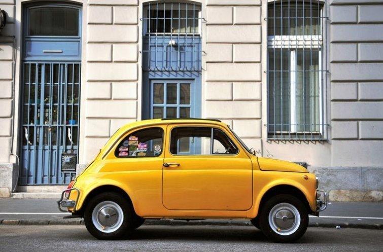 Брать в аренду машину, если вам еще не исполнился 21 год в мире, венгрия, запрет, люди, правило, факты