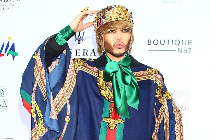 «Нарядился в платье» : Костюм Зверева вызвал оторопь гостей « Fashion Summer Awards»