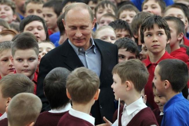 Указ Путина о Десятилетии детства – или в войне с потомством победить нельзя