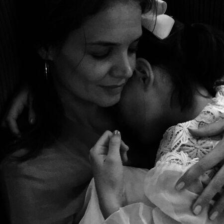 Кэти Холмс трогательно поздравила дочь Сури Круз с 15-летием Дети,Дети знаменитостей