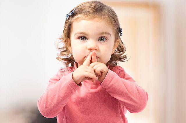 Всё молчит и молчит. Откуда у ребёнка задержка речи и что с ней делать?