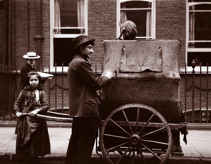 Шарманщик с дочкой, Лондон ХХ век, винтаж, восстановленные фотографии, европа, кусочки истории, путешествия, старые снимки, фото