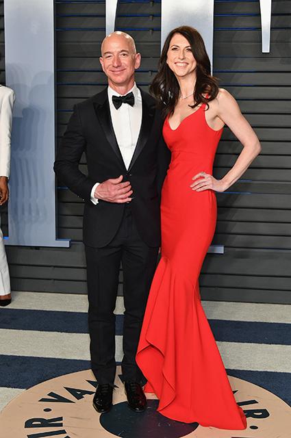Экс-супруга Джеффа Безоса Маккензи вышла замуж за школьного учителя Звездные пары