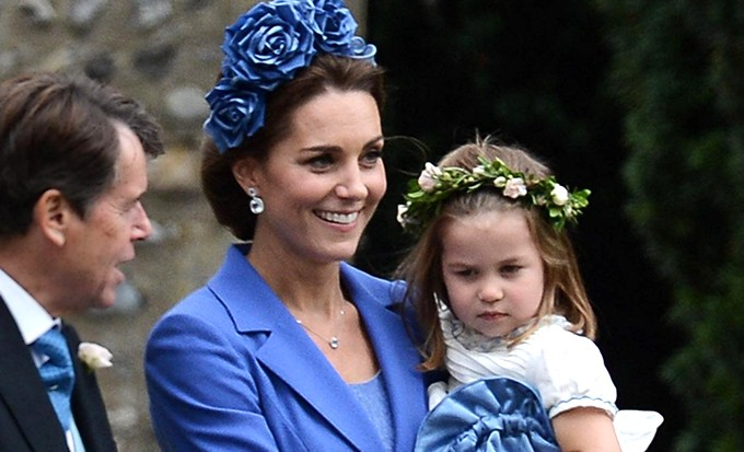 Кейт Миддлтон с принцем Уильямом, детьми и родителями побывала на свадьбе своей близкой подруги