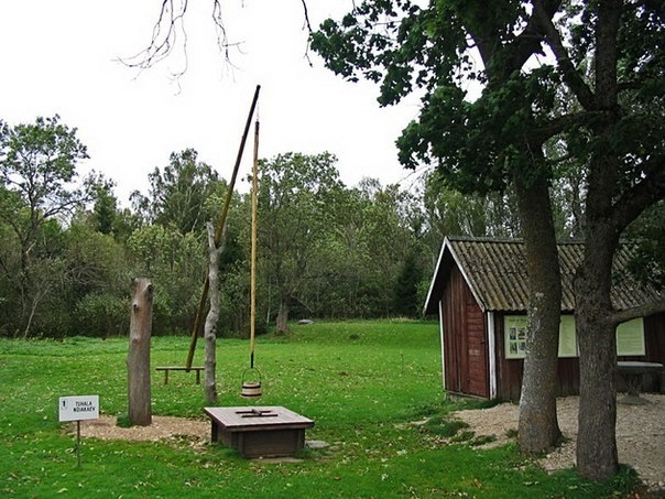 Ведьмин колодец в Эстонской деревне