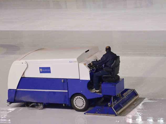 Техник заливки льда в ставро…