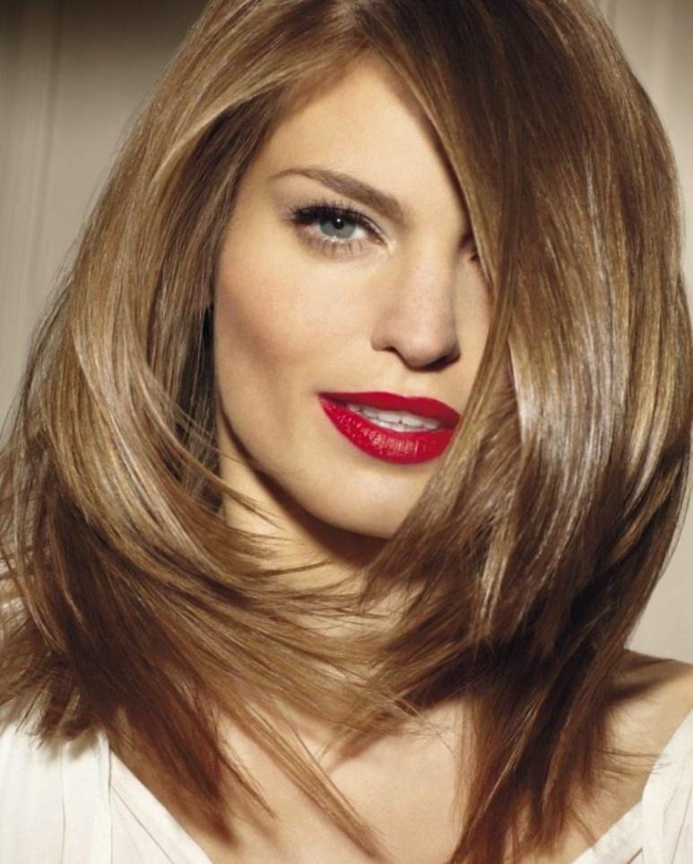Идеальная длина: модные стрижки на средние волосы