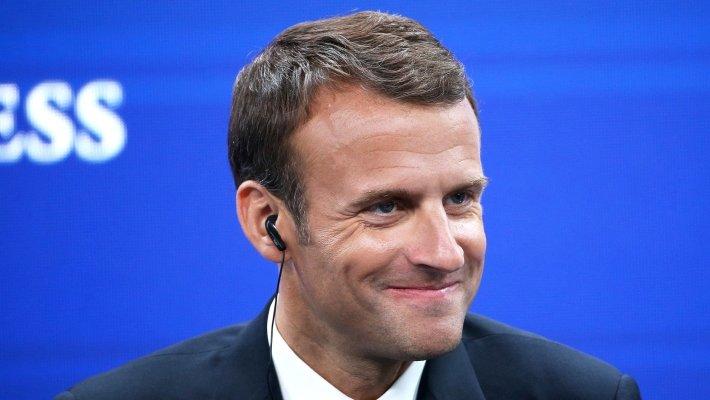 Макрон заявил, что уважает Путина и надеется на дискуссию между Москвой и Парижем