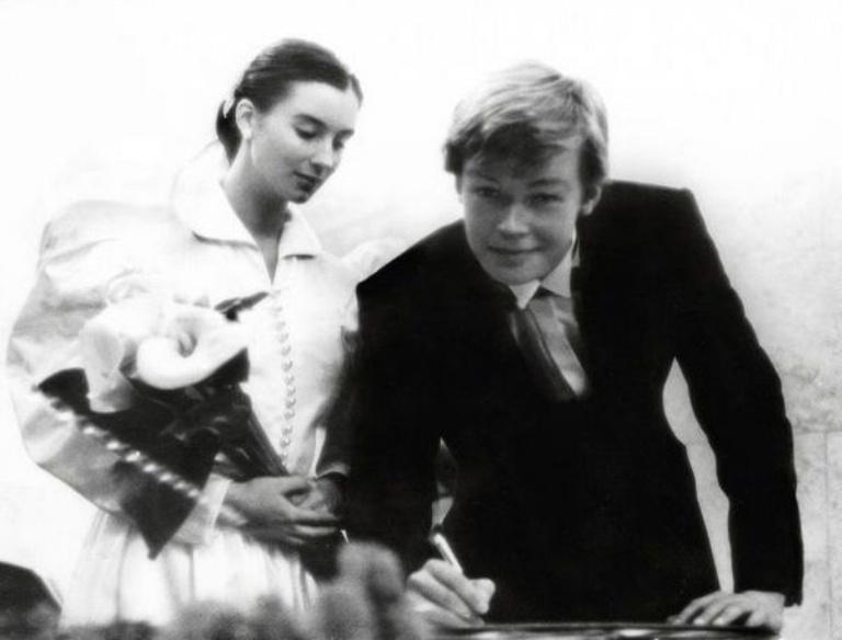 Свадьбы звезд СССР платье, Виктор, просто, выбрала, Наталья, невесты, белом, двоих, церемонии, время, счастливым, тогда, стала, Владимир, свадьба, Зыкина, Людмила, почти, человек, белое