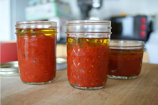 Что делать, чтобы томатная паста не плесневела?