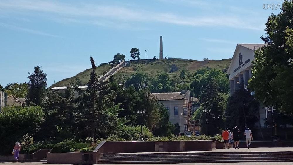 Знаменитую Митридатскую лестницу в Керчи наконец открыли после реконструкции Общество
